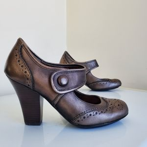 Euro Sofft leather metallic bronze pumps
